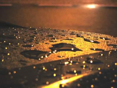 <em>Llueve</em>